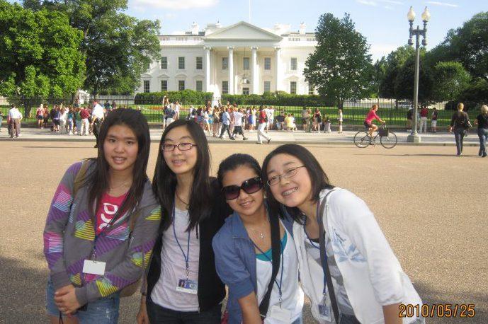 8年生の修学旅行で行ったワシントンDC 一番右が斎藤さん
