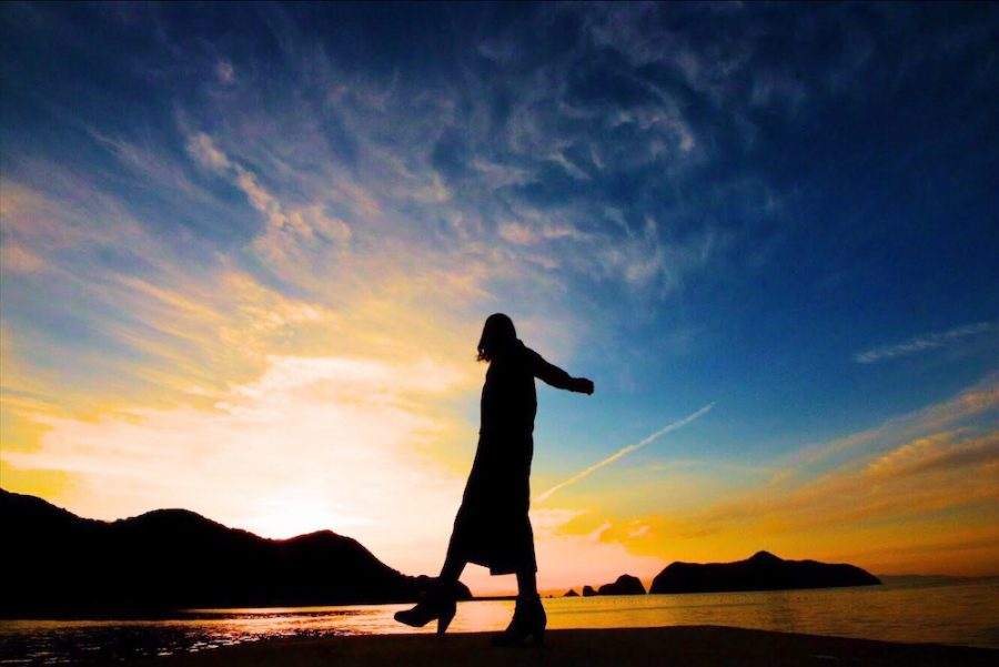 """【英語学習に役立つ音楽紹介】女子必見!心に溢れる気持ちを魅力的に表現する2曲 """"How far I'll go""""(ハウ・ファー・アイル・ゴー) """"Rise up""""(ライズ・アップ)"""