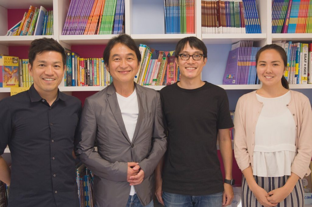 左から順に、キャタル代表三石、ゲスト夏野剛さん、CTO川崎、笹原