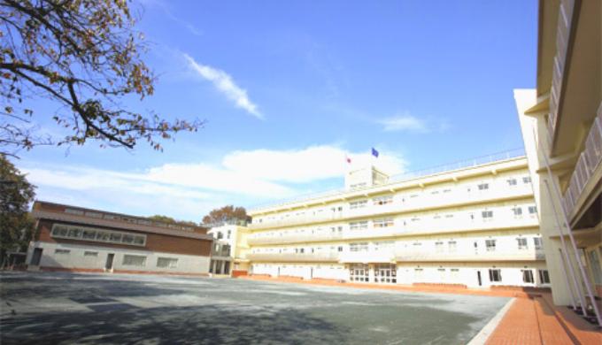 八雲学園中学校高等学校-実践的な英語教育でグローバル人材を育成